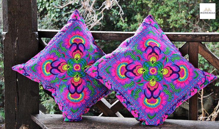 Cojines Bordados Tailandia ✤ $13.990 - Código: AC027-11 ✤  Embroidered Cushions ✤     FanPage: Morenaa  ✤✤✤   Instagram: morenaa_ltda_chile       #morenaa #lomejordecadalugar
