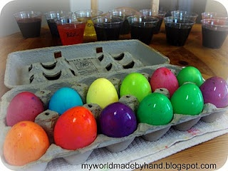 vibrant easter egg colorsVibrant Easter, Food Colors, Eggs Die, Eggs Dyes, Food Coloring, Vibrant Colors, Easter Eggs, Holiday Crafts, Easter Ideas
