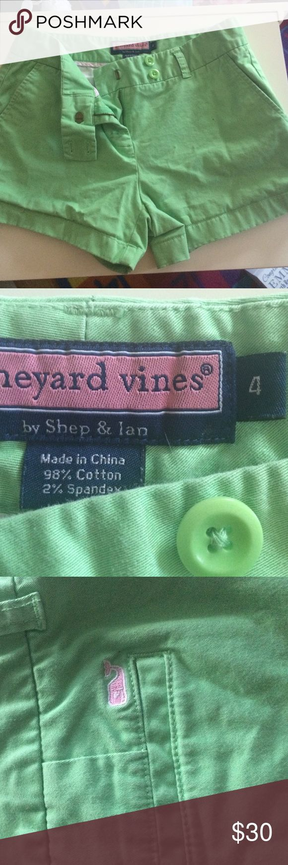 vineyard vines size 4 mint green shorts Vineyard Vines gently worn shorts Vineyard Vines Shorts