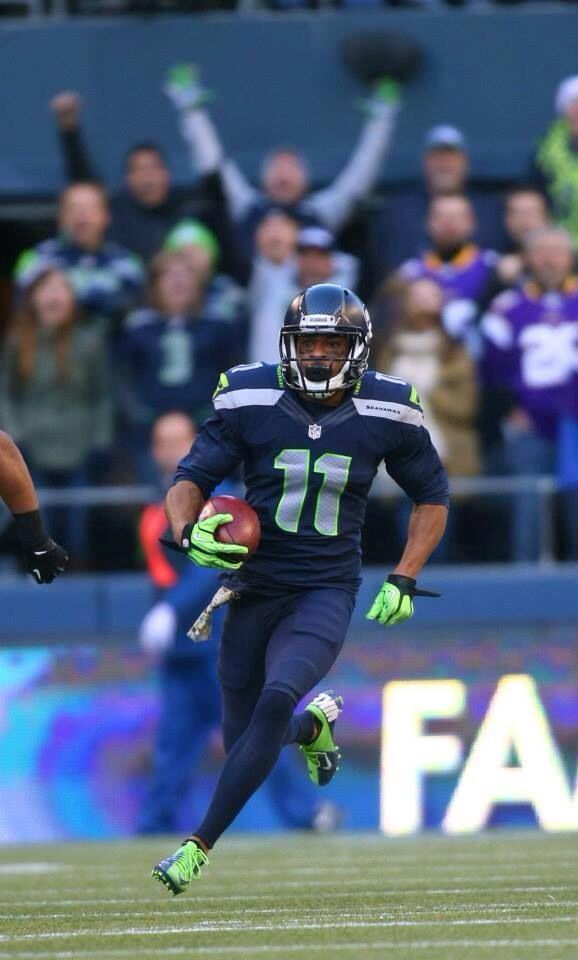 Harvin's first game with the Seahawks! Awesome fact: He retired his original #12 to honor the 12th man!!! Welcome to the team, Percy!