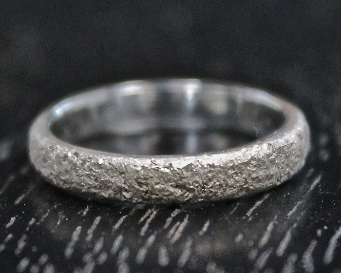 Beautiful Wedding Bands From The Uk This Rustic Wedding Ring For Women In 2020 Rustic Wedding Rings Wedding Rings For Women Plain Silver Rings