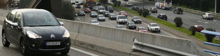 La Policía comienza a multar a los conductores con matrículas pares que circulan por Madrid