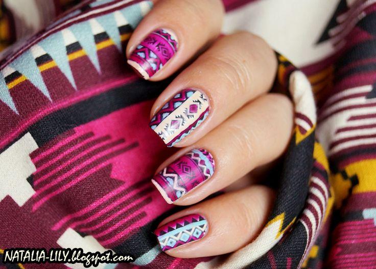 Aztec nails H&M bluza
