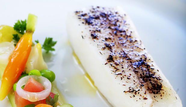 Flétan blanc de Norvège au four, salade de concombre - Poissons de Norvege