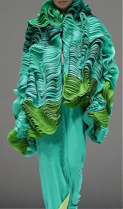 Modeconnect.com - nature-inspired folds by designer Maurizio Galante