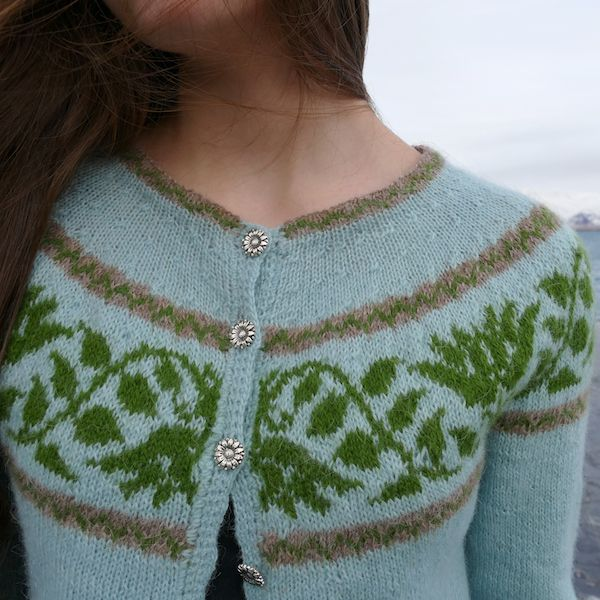Kristín is a lovely Icelandic yoke sweater #lopisweater #lopi #helenemagnusson #icelandic #knitters #knitting #lopisweaters #icelandicsweaters https://icelandicknitter.com/shop/kristin/