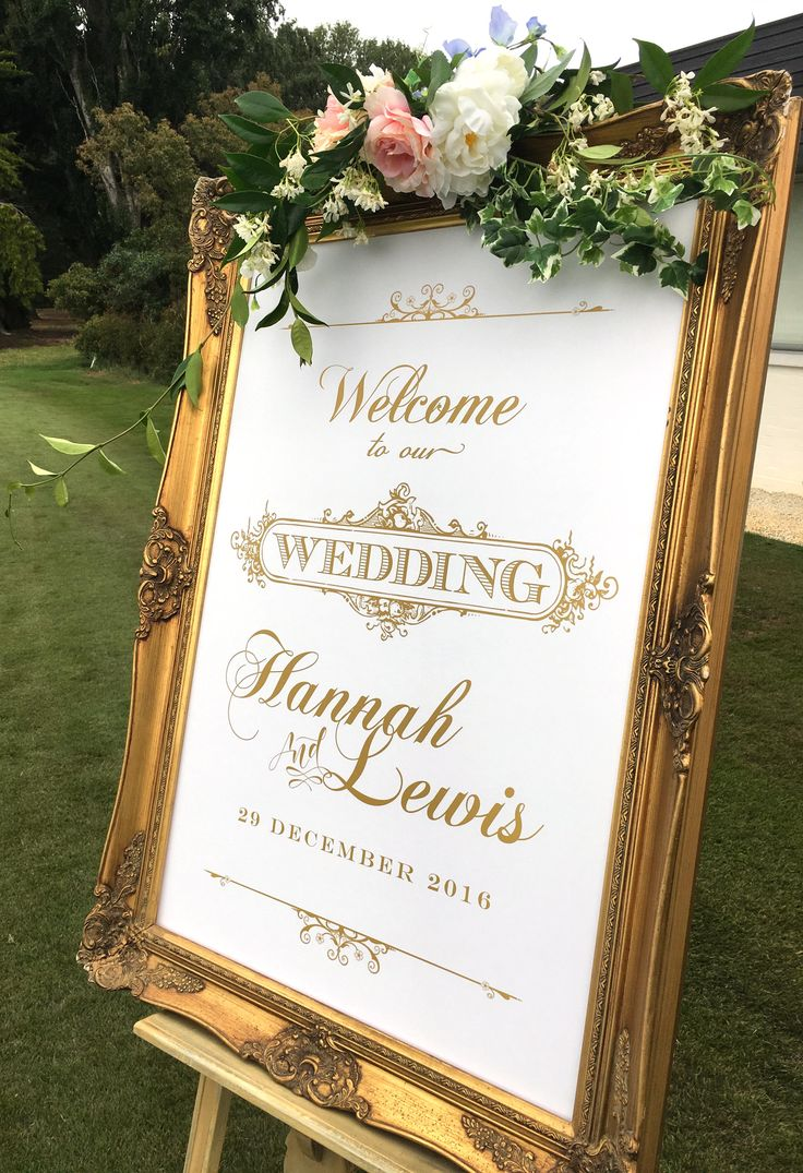 Personalised welcome board