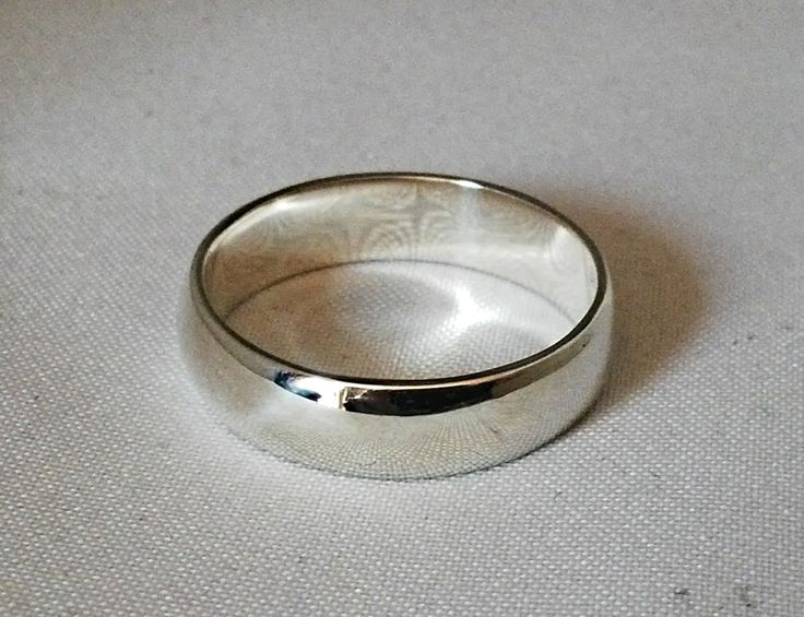Plain sterling silver half round gents band - available in all sizes.