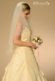 Molly menyasszonyi ruhánk