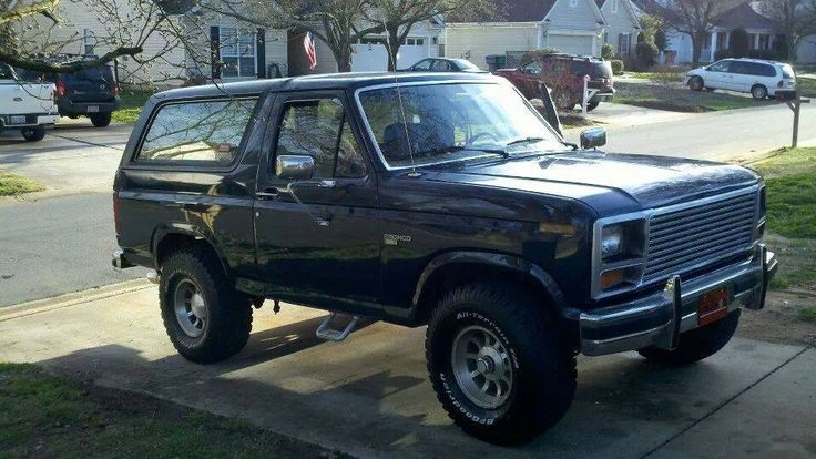525 best images about chevy blazer k5 ford bronco on pinterest 4x4 used cars and cars for sale. Black Bedroom Furniture Sets. Home Design Ideas