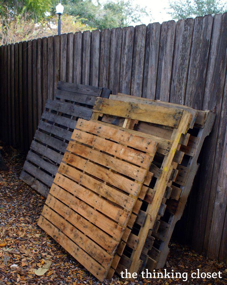 Wood Pallet Sign Tutorial via The Thinking Closet