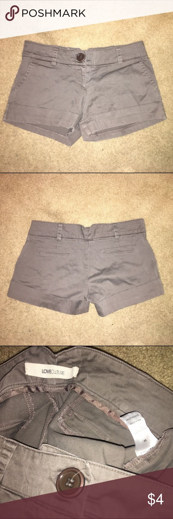 Love culture brown khaki shorts Love culture brown shorts with pockets in front and fake pockets in the back. Shorts are size medium. All clothing final sale. No trade offers please. Open to bundling so don't be shy. Check out my sellers discount! Love Culture Shorts Jean Shorts