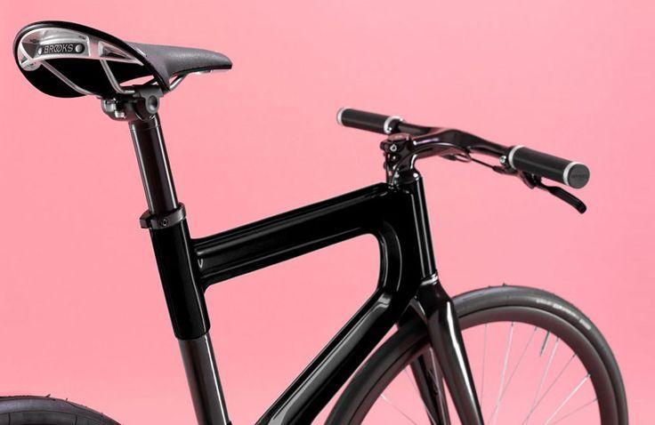 Ziel von Mokumono war es, einen Fahrradrahmen möglichst automatisiert und damit kostengünstig in den Niederlanden zu produzieren. Dafür hat man sich von der Automobil-Produktion inspirieren lassen und herausgekommen ist ein eineinzigartig geformtes Urban-Bike! Die Niederlande haben eine lange Tradition als … Weiterlesen