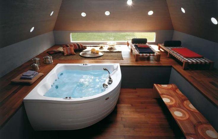 Место для релаксации на мансарде - ванная комната в загородном доме. Очень красиво! #санузел #плитка #сантехника