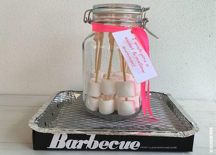 Ieder jaar geven we aan de leerkracht(en) van Job een klein cadeautje om te bedanken voor het schooljaar! Dit jaar een marshmallowkit cadeau voor de juf. #juf