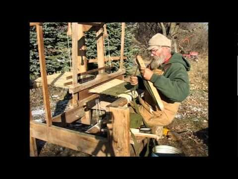 VIDEO: Logcabinlooms - demonstrating his old outdoor loom and the process of weaving rag rugs.