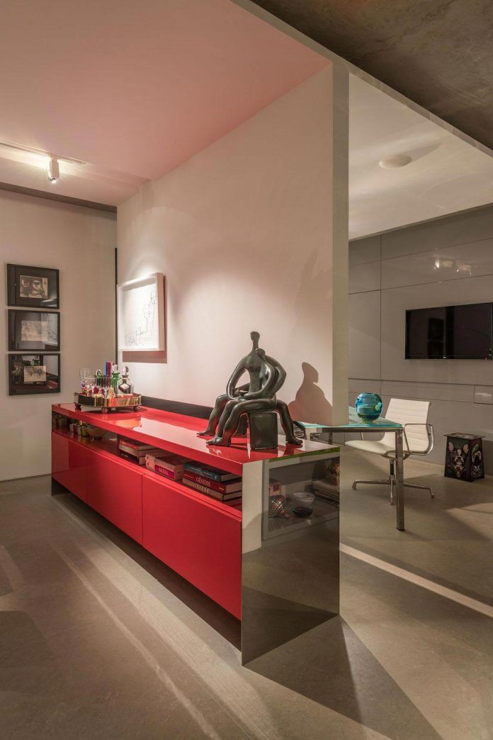 colourful-apartment-belo-horizonte-art-collector-lover-strong-colours-designed-2arquitetos-18