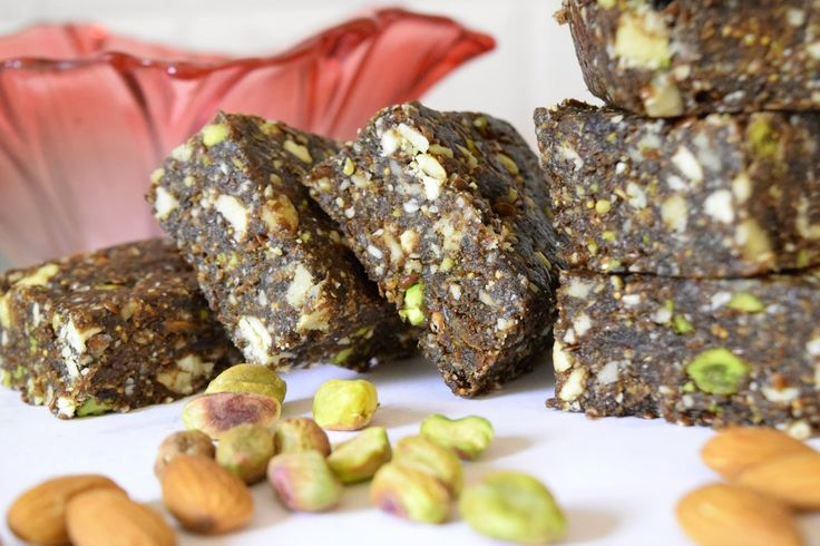 Poorni's Easy Cookbook: Dry fruits and mixed nuts Burfi~~Holi recipes