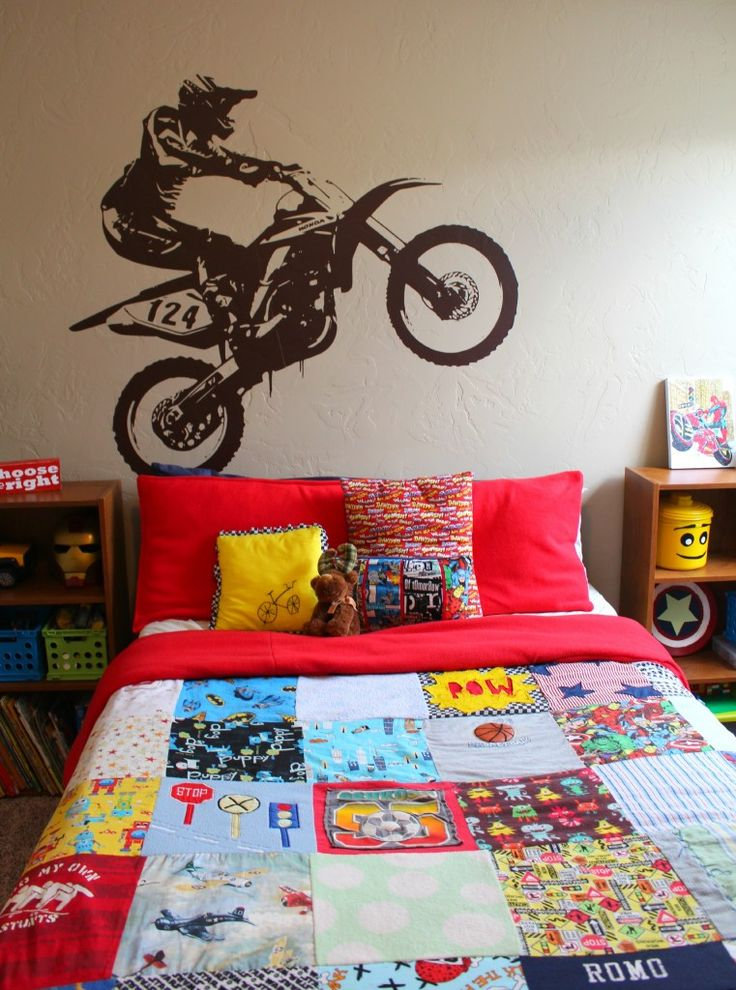 how to attach a ginormous piece of vinyl and icon wall. Black Bedroom Furniture Sets. Home Design Ideas