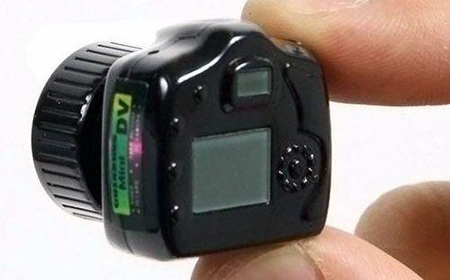 Kamera cctv mini tanpa kabel ini bisa membuat pengguna bisa memantau dari jarak jauh. Cara membuat cctv tanpa kabel cukup mudah, Kamu hanya sediakan pera..