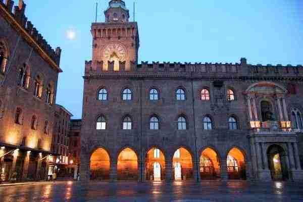 Palazzo d'Accursio o Comunale e Torre dell'orologio