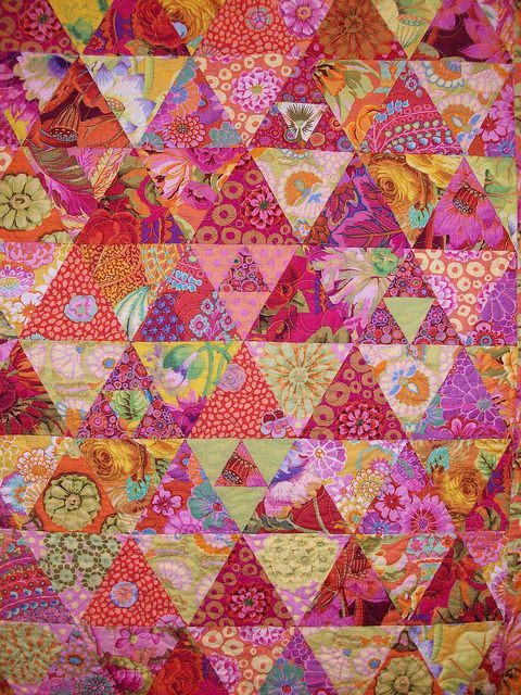 Kaffe Fassett quilt......ooh! ooh! ooh!  Y'all know I love this one!