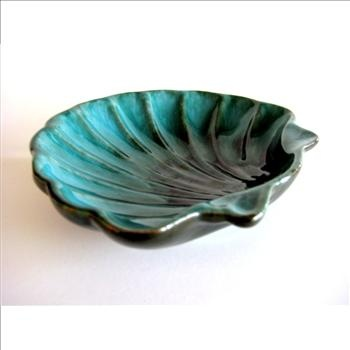 Vintage Blue Mountain Pottery - Sea Shell Dish