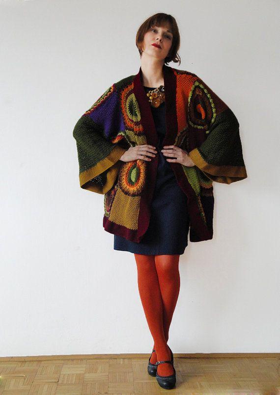 Deze kimono/vest is een comfortabele keuze voor alle seizoenen. Het vest past maten M-XXL. Het is 85cm (33.5 in) lang. Als u zou willen kopen een vest als dit, enkel convo me! Houd in gedachten dat het kan duren tot 3 weken een te maken