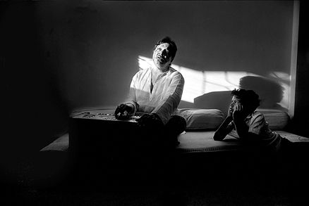 Raghu Rai - Pt. Hari Prasad Chourasia @ Music Maestros: Photographs by Raghu Rai | StoryLTD