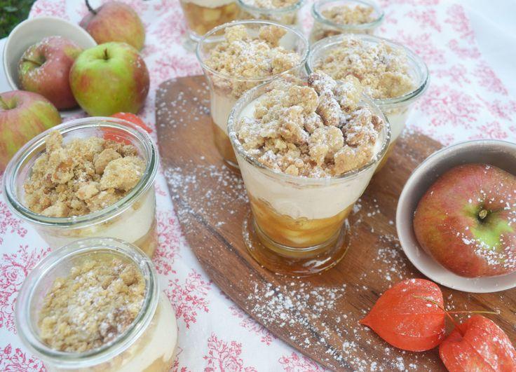 Let's Crumble! Diesmal wird unser Liebling, der Apple Crumble kalt serviert und das im schönen Glas! Oh da strahlen die Gesichter! Wir stellen uns vor: ein aromatisch, fruchtiges Apfelkompott…