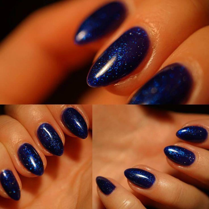 Galaxy nails  #nails #galaxy #galaxynails #night #sky #blue #navyblue #glitter #nailart #semilac #almondnails