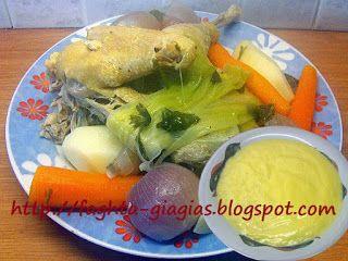 Κότα με ρύζι σούπα αυγοκοφτή