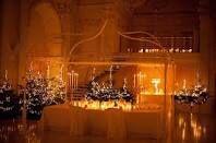 Splendido un matrimonio a tema natalizio..magari a lume di candela Www.tosettisposa.it Www.alessandrotosetti.com #wedding #weddingdress #tosetti #tosettisposa #nozze #bride #alessandrotosetti