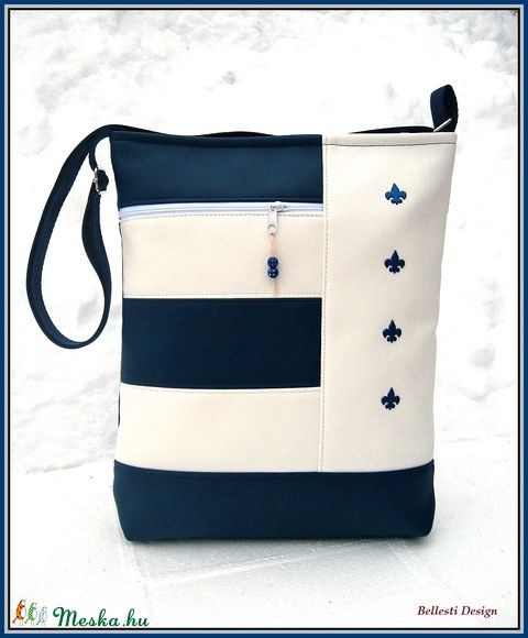 Francia liliom oldaltáska - kék, fehér (BellestiDesign) - Meska.hu   #handmade #női #egyedi #divat #táska #design #bellestidesign #woman #fashion #bag #france #white #blue