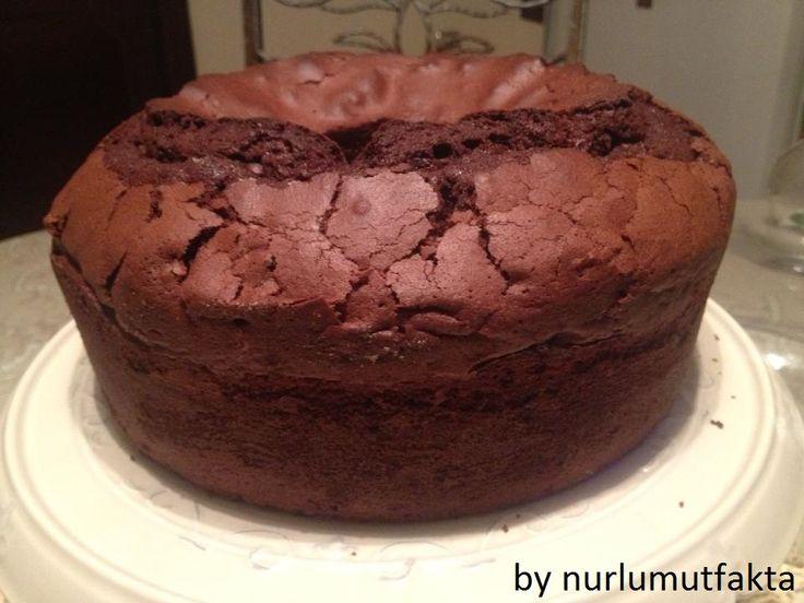 Çikolatalı kek,en güzel çikolatalı kek tarifi,Bol çikolatalı kek tarifi,Pamuk gibi kek tarifi,çikolata,kek,değişik çay saati ikramları