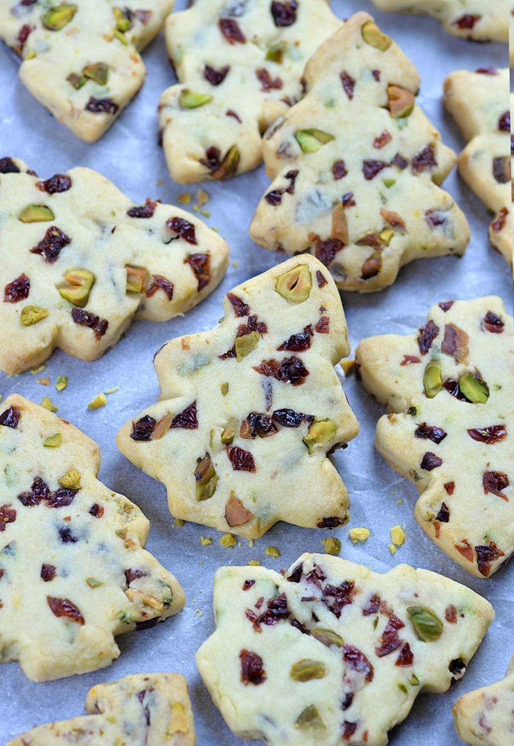 Cranberry Pistachio Christmas Shortbread Cookies