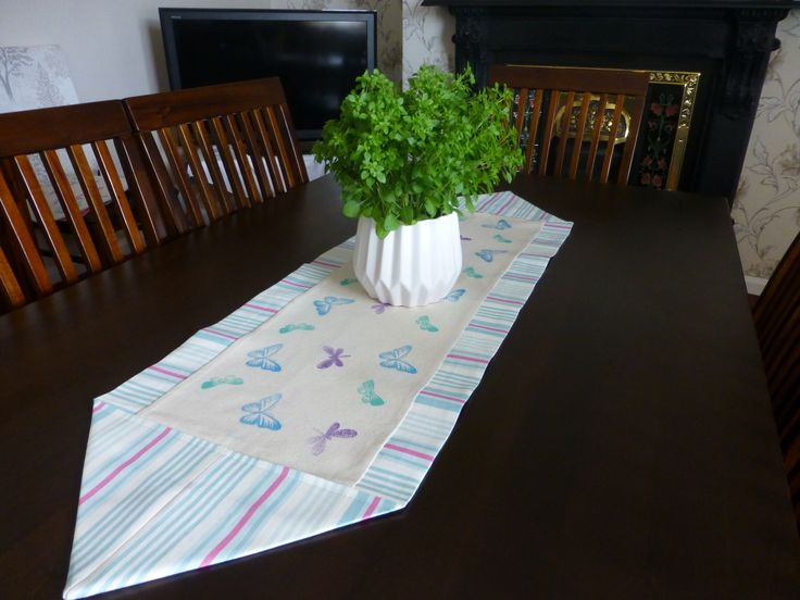 Fabric stamped table runner made using the Threaders fabric stamps and inks #crafterscompanion