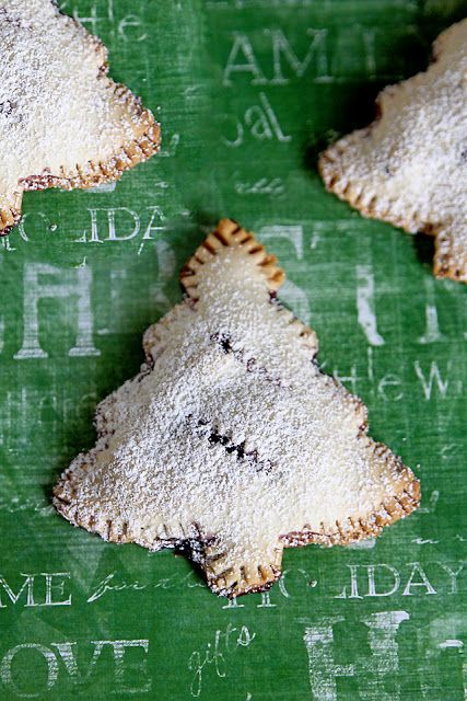 Christmas Tree Pies | Lolly Jane