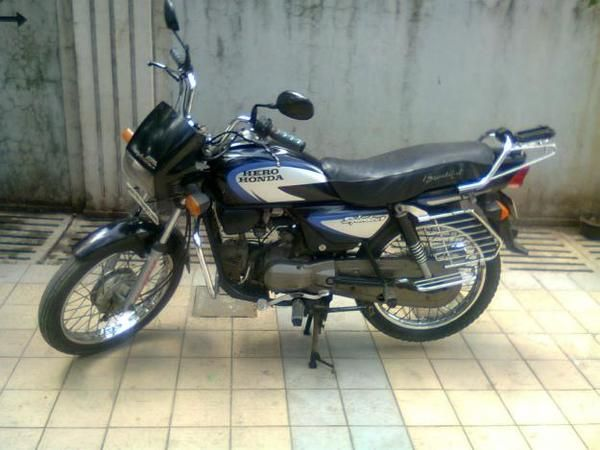 #bikes #motorbikes #motorcycles #motocicletas #motos   Hero honda splendor plus, 2006 model,