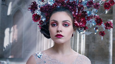 The latest movie from the Wachowskis,Jupiter Ascending,was supposed to debut over the summer, but it got pushed back until February 6, 2015. Now they've released an international trailer inhopes...