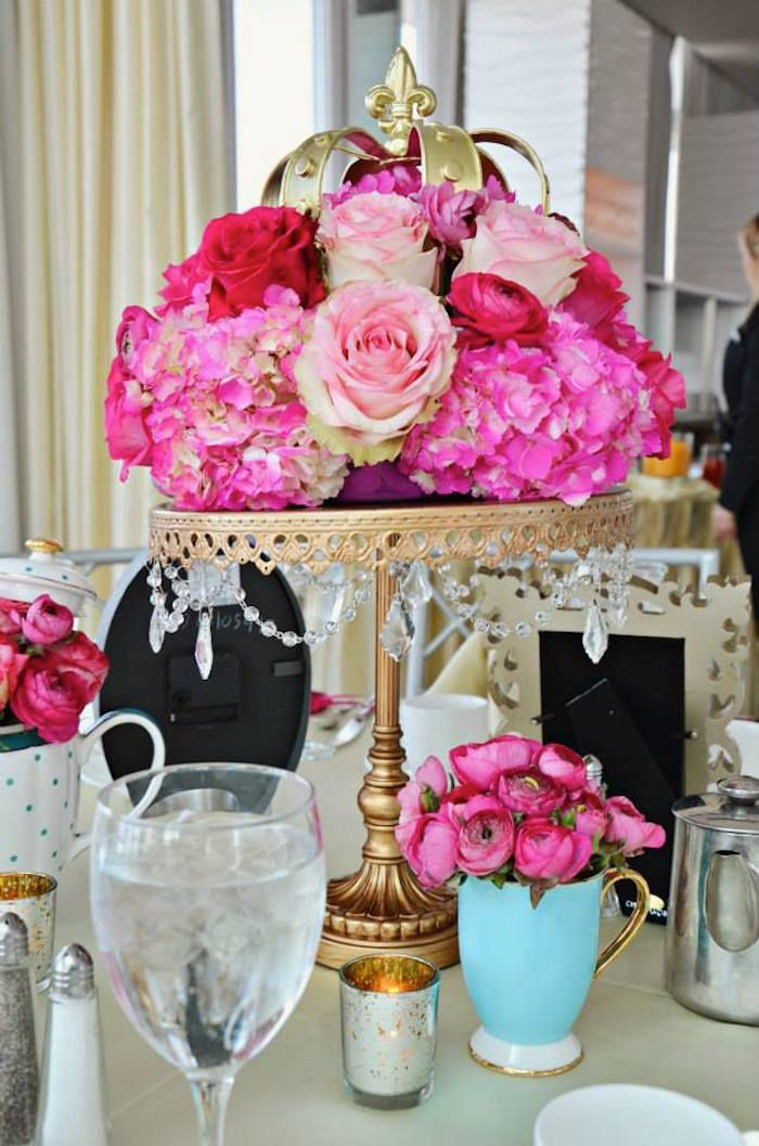 17 best ideas about princess baby showers on pinterest for Baby full month decoration ideas