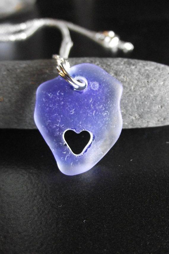 Sea glass heart #beach #sea #glassSeaglass Carvings, Glasses Jewelry, Beach Sea, Heart Beach, Glasses Heart, Beach Glasses, Heart Necklaces, Glasses Necklaces, Sea Glasses
