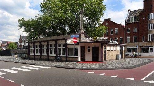 Eetcafé 'De 2e Kamer'. Damsterplein (Damsterdiep). Groningen. Netherlands. Voorheen wachthuis van de Damster Auto-Maatschappij (DAM).