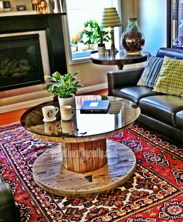 Round Shape Pallet Coffee Table | Pallet Furniture DIY