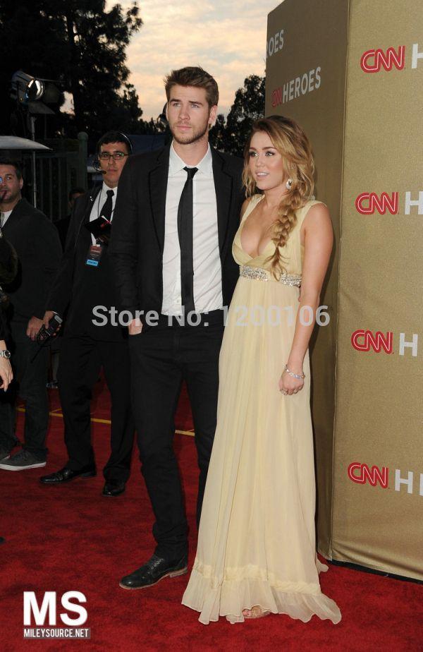 Red Carpet Dress Pleated V Neck Sleeveless Chiffon Miley Cyrus Celebrity Dresses Sexy Floor Length 2015