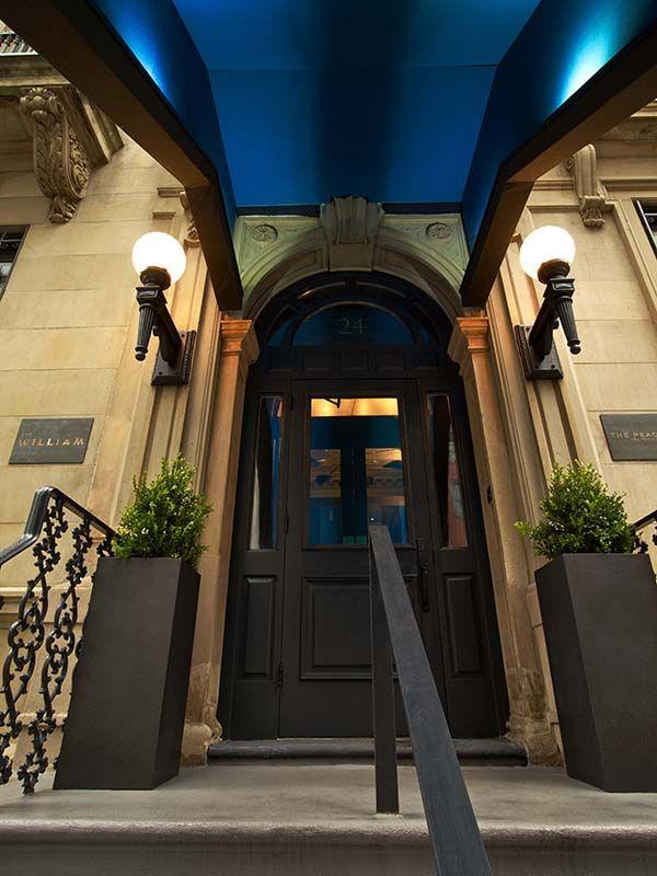 #excll #дизайнинтерьера #решения  В результате сотрудничества дизайнеров и художников в Нью Йорке появился новый отель The William Hotel, интерьер которого при первом взгляде впечатляет взрывом цвета и эмоций.