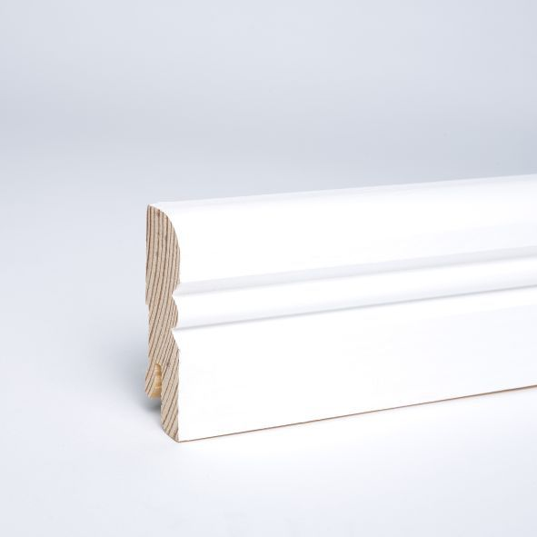 Alt-Reno-Profil-Sockelleiste massiv 60mm deckend weiß lackiert mit Kabelkanal