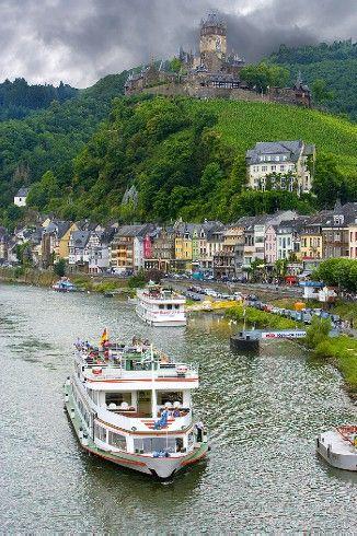 Castillo de Marksburg sobre el río Rin, Alemania