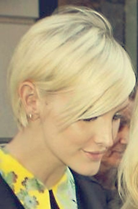 Lovely Blonde Pixie Hairstyle