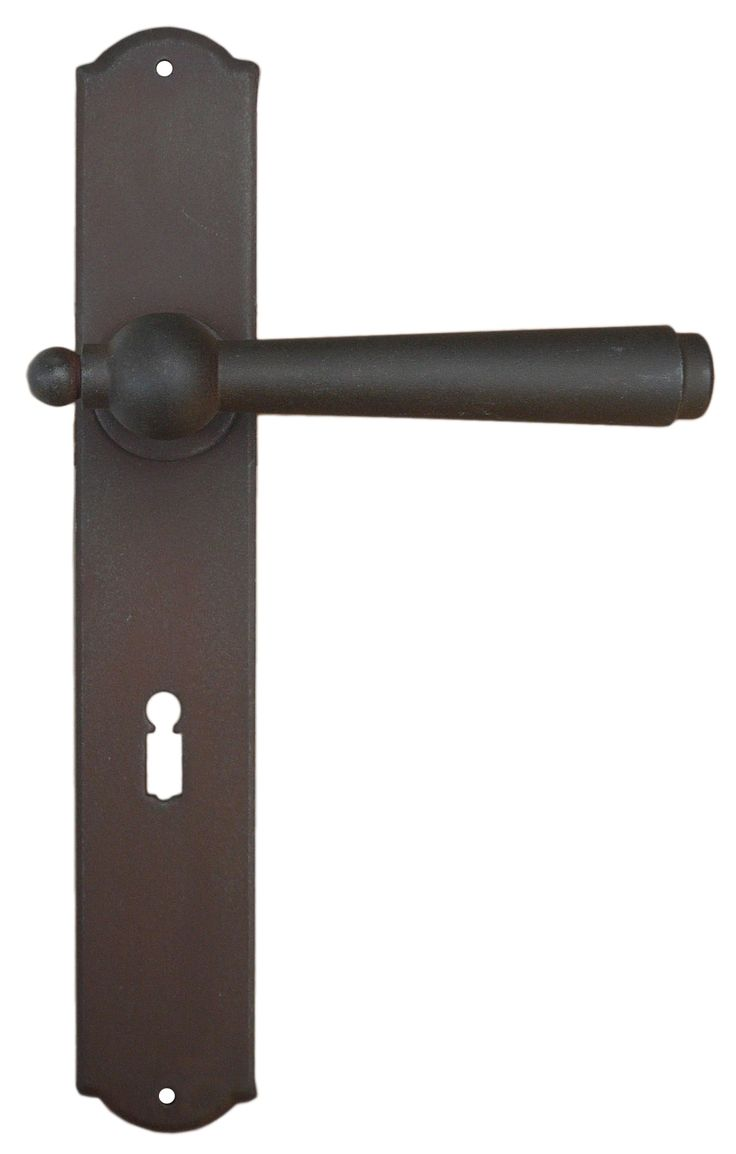 Art.2900. Traditional door handle. This handle is available sprung or unsprung and in 13 different finishes. We can supply with different key holes type and distance and for WC. Art.2900 Maniglia in ferro battuto Galbusera
